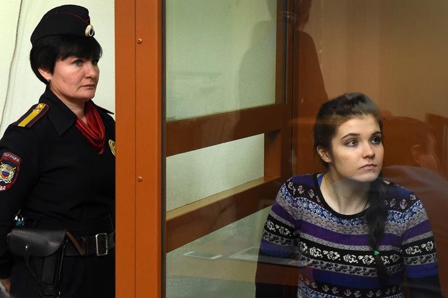 La joven rusa Varvara Karaulova fue detenida en Turquía, cuando se aprestaba a cruzar hacia Siria. (Foto Prensa Libre: AFP).