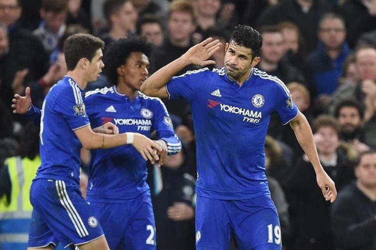 El hispano brasileño Diego Costa anotó dos goles del Chelsea contra el Watford. (Foto Prensa Libre: EFE).