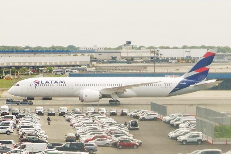Latam también dejará de volar a Venezuela. (Foto Hemeroteca PL)