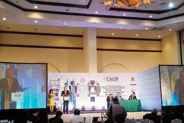 EL SEGUNDO Congreso Laboral abordó diferentes temas y enfatizó el reto de superar la informalidad en el país. (Foto Prensa Libre: Natiana Gándara)