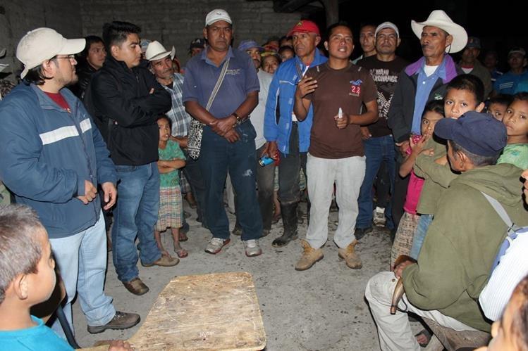 Pobladores de la aldea Los Pajales Chicamán se quejan de daño por construcción de hidroeléctrica.