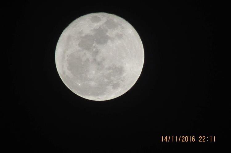 Las noches de noviembre estuvieron acompañadas de la belleza, luminosidad y majestuosidad de la luna.