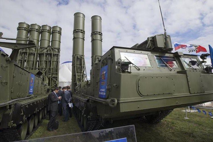 Rusia advierte de que su batería antimisiles S-300 puede derribar cualquier aeronave. (Foto: Hemeroteca PL)