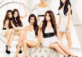 Kylie, Kendall, Kourtney, Khloe, Kris y Kim son las bellas integrantes del clan Kardashian-Jenner, familia que es mediática a nivel mundial, sin tener talentos para la farándula. (Foto Prensa Libre, tomada de wordpress.com)