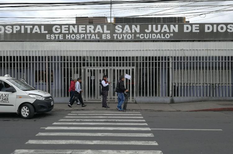 La consulta externa del San Juan de Dios permanecerá cerrada lunes y martes. (Foto Prensa Libre: Érick Ávila)