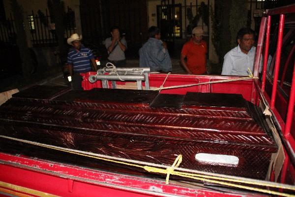 <p>Ataúd  del comerciante Ismael Chávez Solís, en Aguacatán.</p>