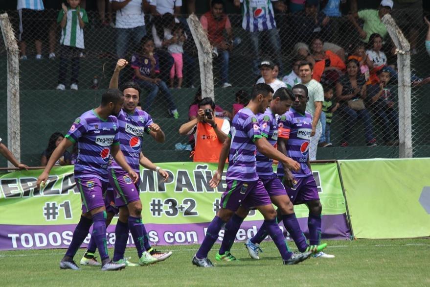 Agustín Herrera fue clave en el triunfo de Antigua GFC. (Foto Prensa Libre: Miguel López)