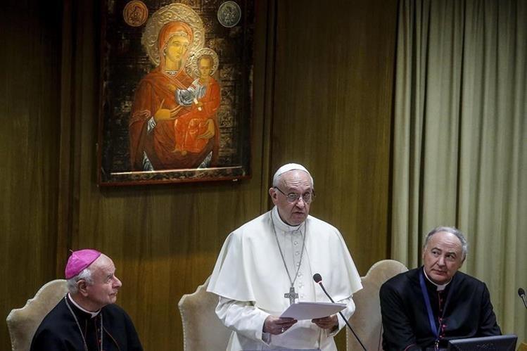 El papa Francisco reconoce el martirio del sacerdote italiano Tullio Maruzzo y del catequista Obdulio Arroyo Navarro, asesinados en Guatemala. (Foto Prensa Libre: EFE)