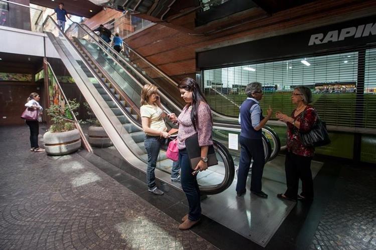 Racionamiento de electricidad afecta a los centros comerciales en Venezuela. (Foto Prensa Libre: EFE)