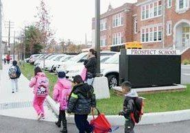 Muchos menores hispanos no tienen la posibilidad de una adecuada educación en Nueva York. (Foto Prensa Libre: Internet).