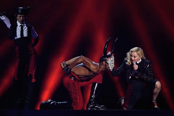Madonna durante su participación en los premios Brit. (Foto: Prensa Libre: AP)