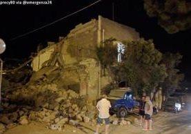 Autoridades reportan varios daños por sismo en isla de Ischia. (Foto Prensa Libre: @Emergenza24)