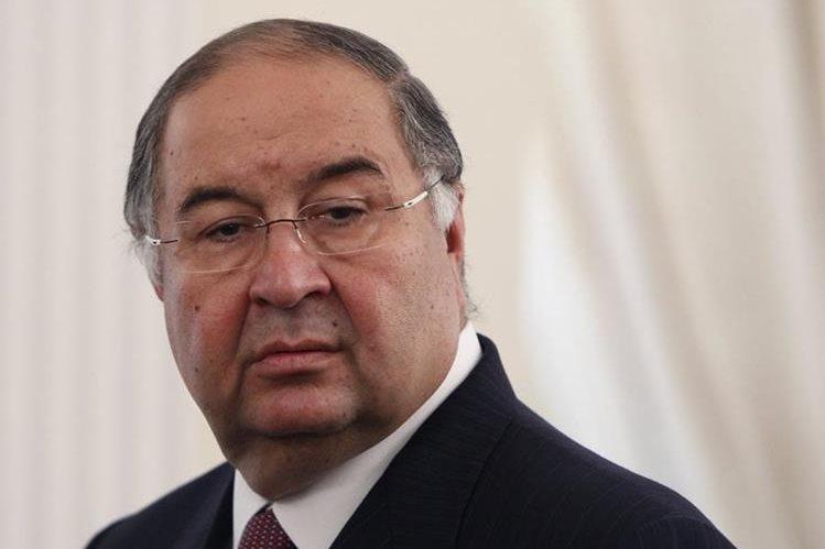 El accionista minoritario Alisher Usmanov presentó una oferta para comprar los dos tercios del capital del Arsenal. (Foto Prensa Libre: AFP)