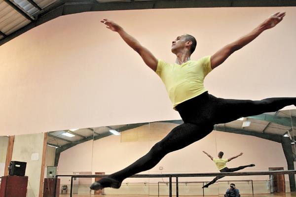 Foto: Desde hace un año Malín es uno de los bailarines solistas del Ballet Guatemala