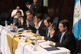 La Comisión Pesquisidora presentó el infomre cincunstanciado a Dirección Legislativa donde propone retirar la inmunidad al mandatario (Foto Prensa Libre: Hemeroteca PL)