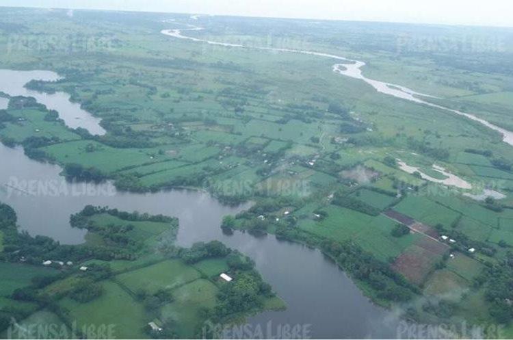 Esta mañana se hizo un recorrido por la parte baja de la costa sur por el Comando Aéreo del Sur y CONRED para determinar las áreas más afectadas por las inundaciones.
