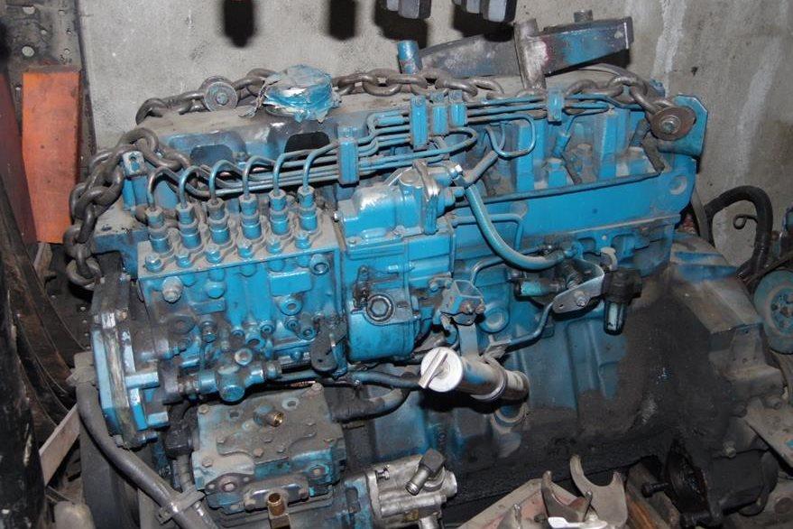 Este motor modificado que alcanza   300 caballos de fuerza —225 de fábrica—, será instalado en un autobús. (Foto Prensa Libre: José Rosales).