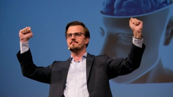 El campeón de torneos de memorización, Boris Nikolai Konrad permitió que le escanearan su cerebro para la investigación. (Foto, Konrad Driessen)