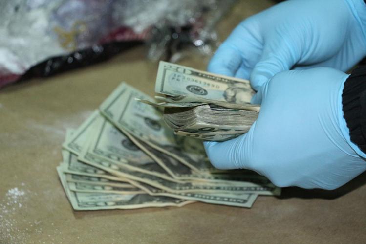 Autoridades contabilizaron US$143 mil. (Foto Prensa Libre: Cortesía).