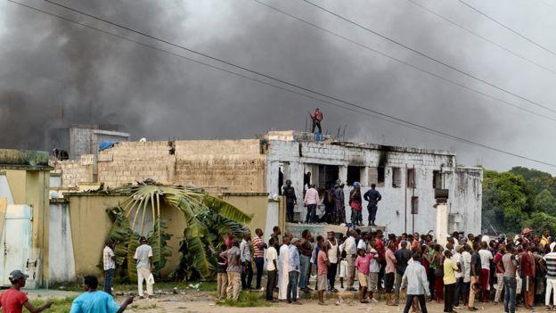 Ne Muando Nsemi fue capturado en su casa (en la foto) y enviado a prisión. REUTERS