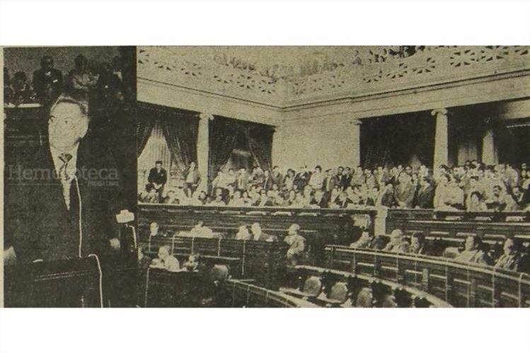 Jorge Arenales Catalán, ministro de Gobernación, interpelado en 1972. (Foto: Hemeroteca PL)