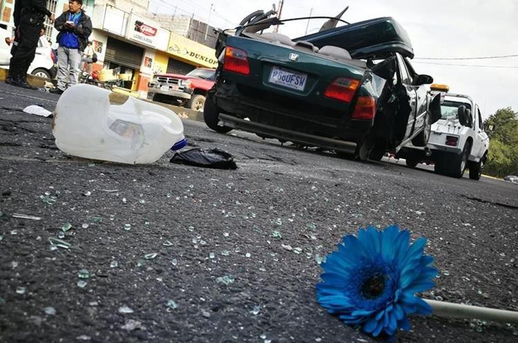 Los fallecidos aún no habían sido identificados. (Foto Prensa Libre: Érick Ávila)