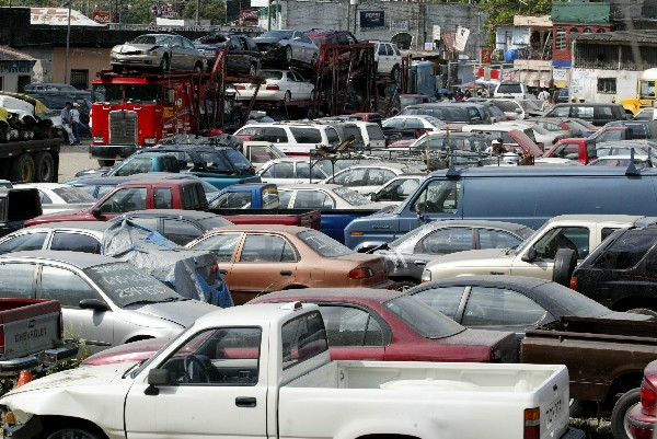 Los contribuyentes tienen que cumplir con el pago del impuesto de circulación. (Foto Prensa Libre: Hemeroteca PL).