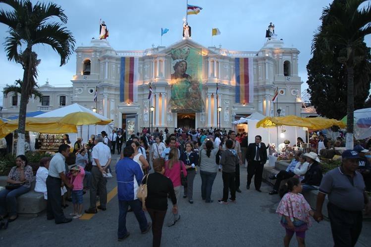 La basílica Nuestra Señora del Rosario, templo de Santo Domingo, de la capital guatemalteca, será escenario de la celebración de los 800 años de la Orden de Predicadores de Santo Domingo de Guzmán. (Foto Prensa Libre: Óscar Rivas)