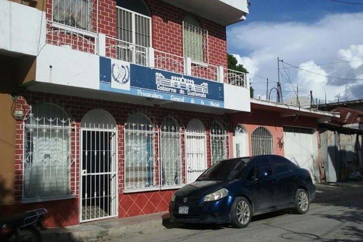 Fachada de la sede de la PGN de San Benito, cuyo personal participó en el rescate. (Foto Prensa Libre: Rigoberto Escobar).