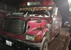 Este fue el autobús atacado por sujetos armados. (Foto: Fred Rivera)