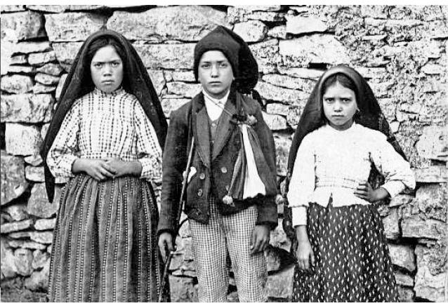Los tres videntes de Fátima: Lucía, Francisco y Jacinta fueron captados luego de las apariciones de Fátima en 1917. (Foto: Hemeroteca PL)
