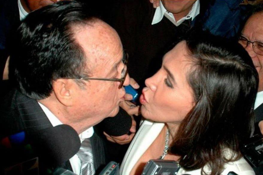 Roberto Gómez Bolaños siempre mostró el amor a Florinda Meza. (Foto Prensa Libre: Hemeroteca PL)