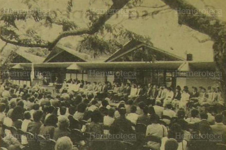 02/12/1989. Acto de graduación de la Universidad del Valle de Guatemala, en donde se graduaron 85 profesionales en las diferentes disciplinas que imartía la Universidad. (Foto: Hemeroteca PL).