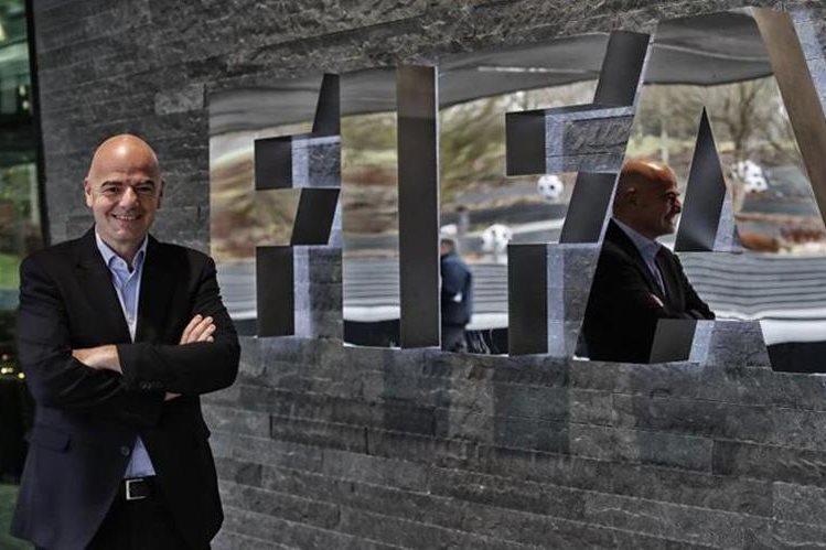El suizo Gianni Infantino presidente de la Fifa dijo que las pruebas del videoarbitraje fueron satisfactorias. (Foto Prensa Libre: Hemeroteca)