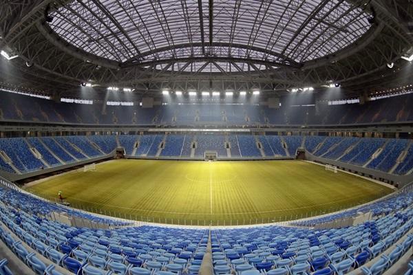 La Fifa admitió que hubo abusos a los derechos humanos en la construcción del estadio de San Petesburgo. (Foto Prensa Libre: Hemeroteca)