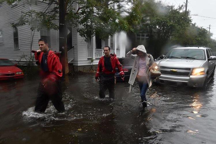 La incesante lluvia en el sureste de EE. UU. deja numerosas zonas anegadas. (Foto Prensa Libre: AFP).