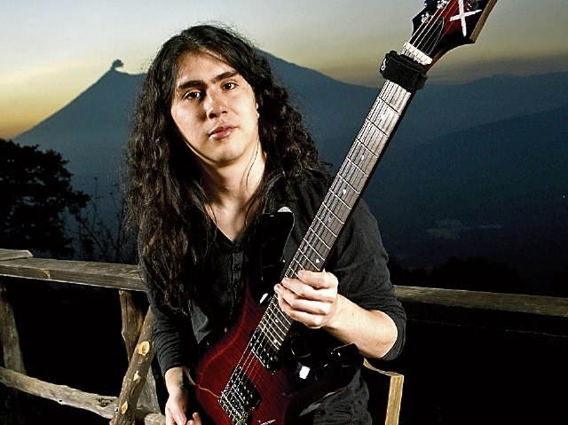 El guitarrista guatemalteco Hedras Ramos cierra el ciclo de transmisiones, el 23 de marzo. (Foto Prensa Libre: Hedras Ramos)