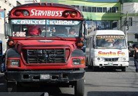 Vecinos de Quetzaltenango piden más seguridad para el transporte urbano. (Foto Prensa Libre: Carlos Ventura)
