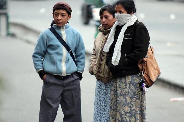 Las recomendaciones son abrigarse para evitar enfermedades respiratorias. (Foto Prensa Libre: Hemeroteca PL)