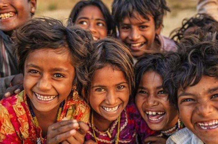 Sobre temas como pobreza o población la gente tiende a responder con información que era correcta hace 20 o 30 años. (GETTY IMAGES)