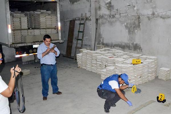 <p></p><p>El producto era transportado en un furgón. (Foto Prensa Libre: Edwin Perdomo).</p>