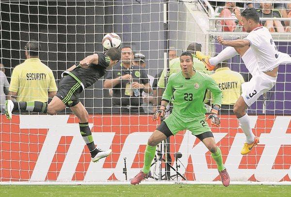 Costa Rica tendrá una sensible baja en la Copa América por la ausencia del portero Esteban Alvarado. (Foto Prensa Libre: Hemeroteca PL)