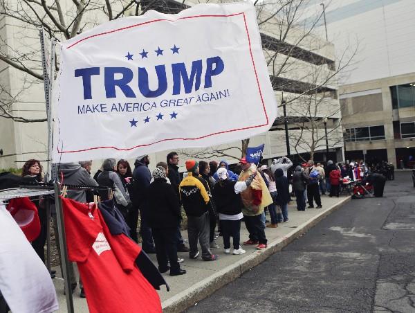 <span>Partidarios de</span> <span>Donald</span> <span>Trump</span>&nbsp;<span>protestan en</span> <span>Albany</span><span>,</span> <span>Nueva York. (AP)</span>