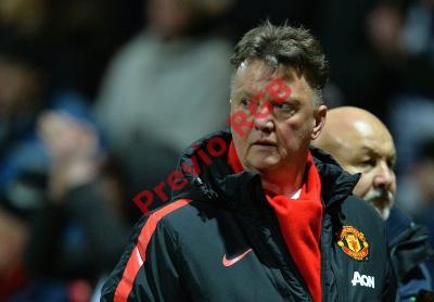 El técnico del Manchester United, Louis van Gaal, culpó a árbitros de ser parciales. (Foto Prensa Libre: EFE).
