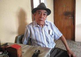 """José Jerónimo Martínez, de 83 años, más conocido como """"Don Chomo"""", en Boca del Monte.(Foto Prensa Libre: José M. Patzán)"""