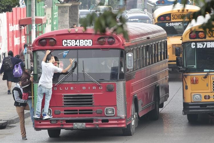 La tarifa de transporte urbano vigentes de de Q1.10, autorizada desde hace 20 años. (Foto Prensa Libre: Hemeroteca PL)