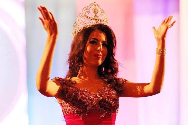 Jessica Morales agradece al público por su apoyo durante elección.