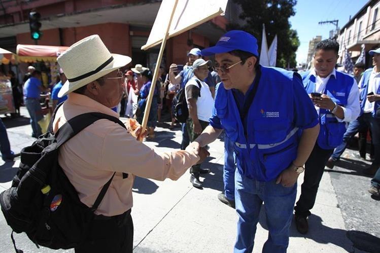 El procurador de los Derechos Humanos ha estado vigilante de las demandas de los guatemaltecos durante las protestas. (Foto Prensa Libre: Carlos Hernández)
