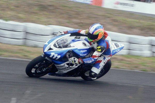 Marcos Reichert ganó en la categoría Súperbike y fue segundo en la súpersport. (Foto Prensa Libre: Arturo Ochoa)