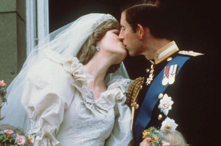 Boda de Carlos y Diana el 29 de julio de 1981. (Foto: AP)